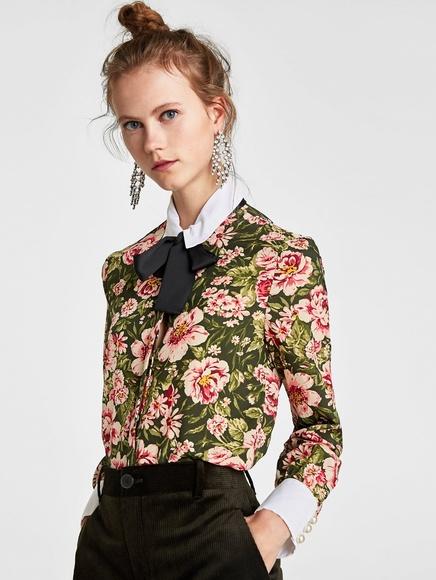 20f1248e5328d Zara floral white collar bow pearl button blouse. M 5c4f11f345c8b34322593eea
